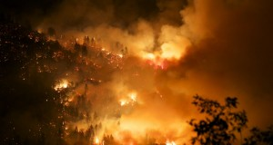 Willow Fire pushing south overnight - photo by John-Mark Brix