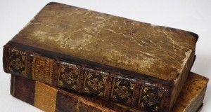 old-books-164262_960_720