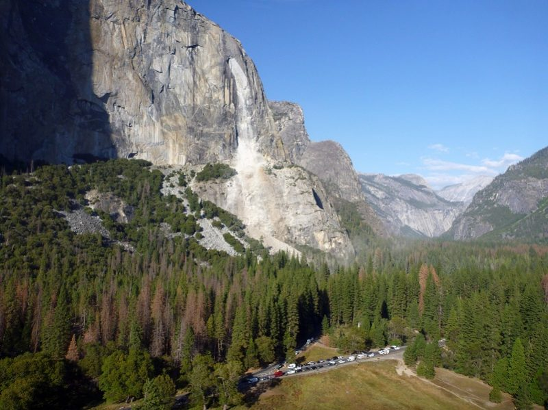 What causes rockfalls like the deadly one in Yosemite?