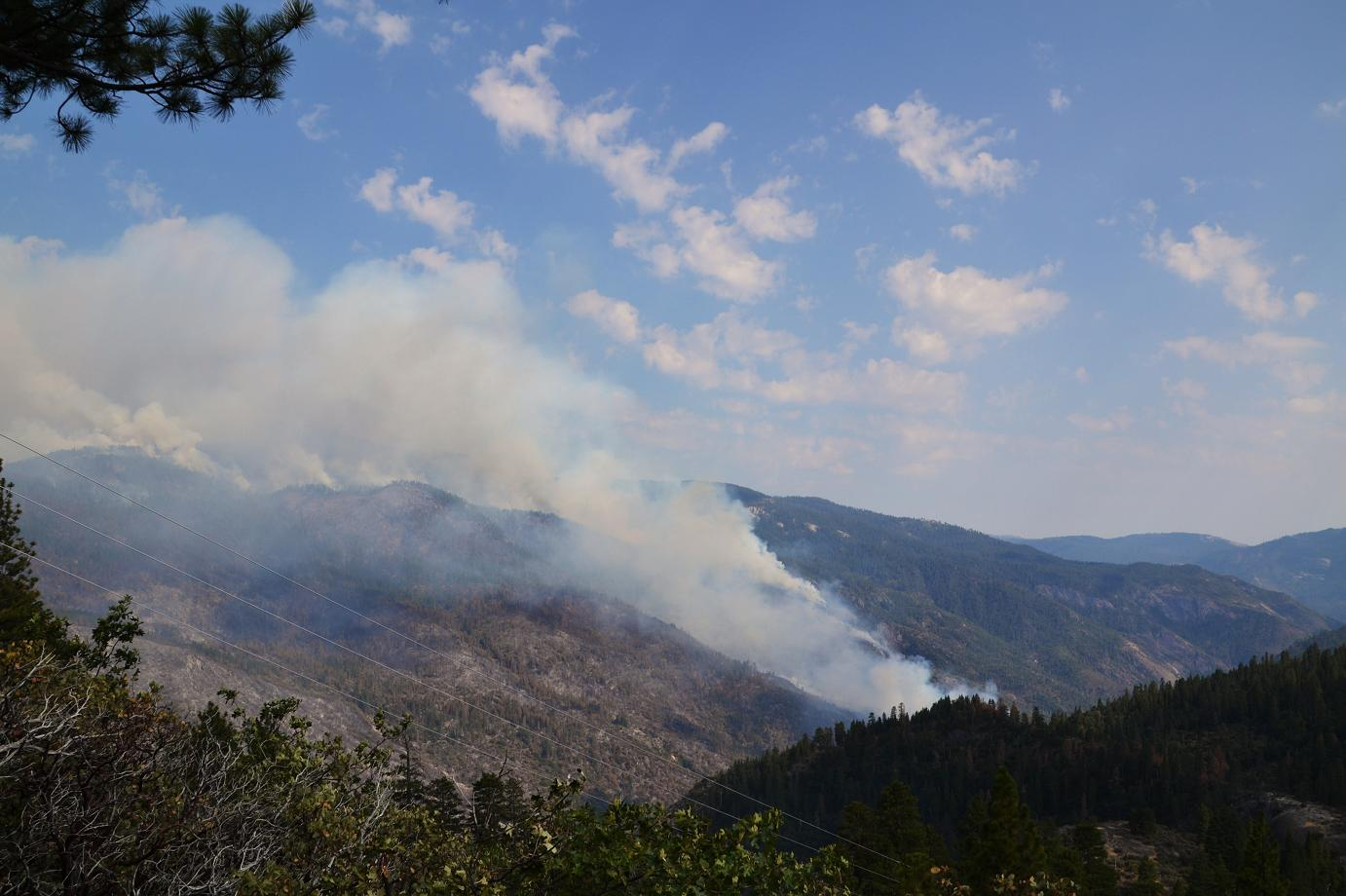 Southern end of fire from just below Mile High Vista - photo by Gina Clugston