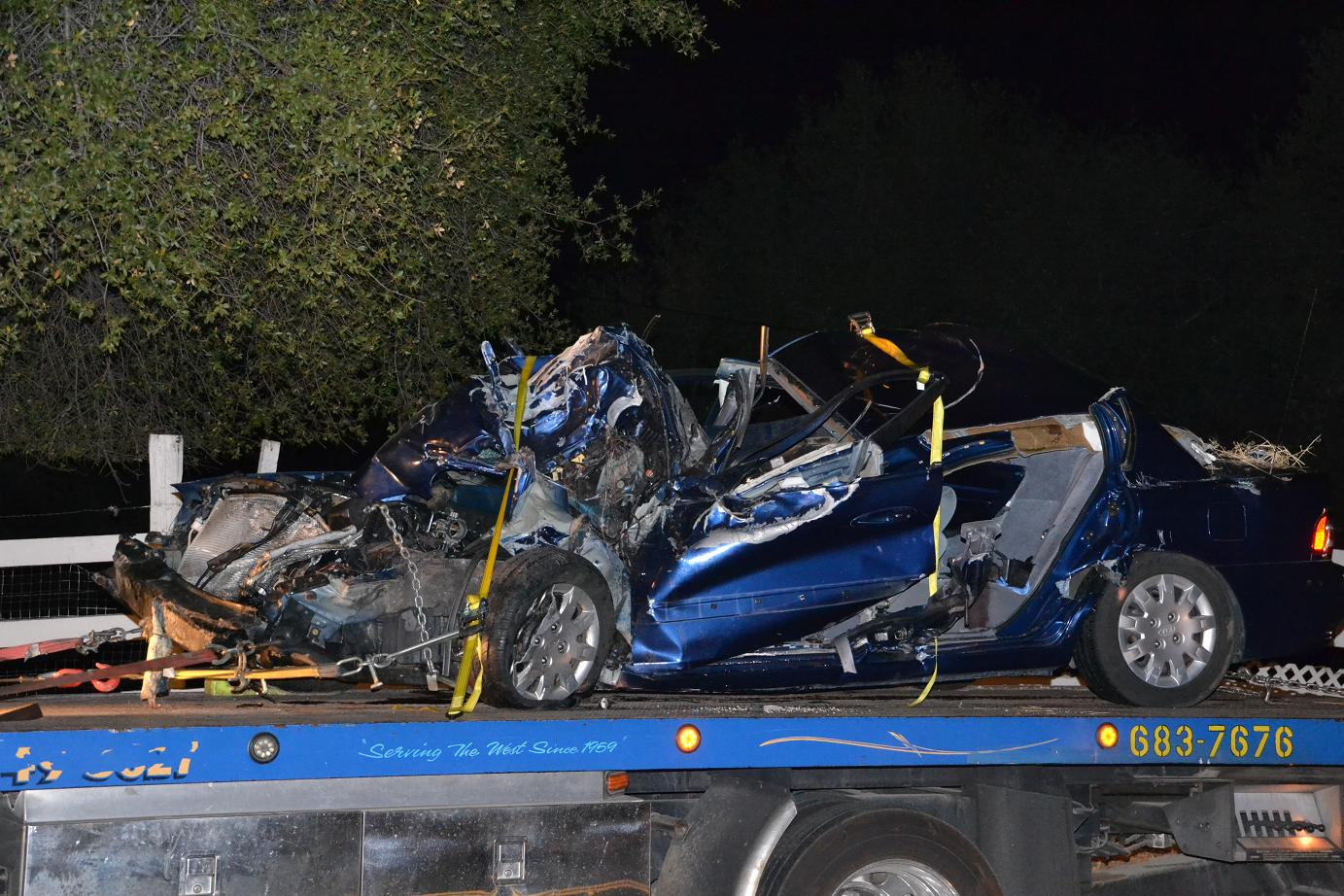 story on road accidents Accident story sample youth killed  a 16-year-old springfield man was killed this morning when his car collided with an empty school bus at thompson lane and lindbergh avenue.
