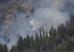 Air Crane over Willow Fire - photo by Gina Clugston