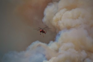 Air Crane works Willow Fire 7-29-15 - photo by Gina Clugston