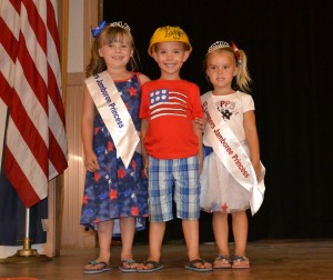 Kessler Lopez 2014 Little Princess with 2015 Little Logger Jace Thornburg and Little Princess Karissa Owen - photo by Gina Clugston