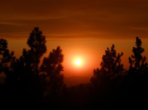 Hazy sun on Rough Fire - photo SNF