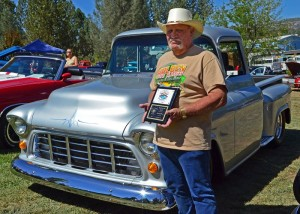 Kiwanis Run for the Gold Best of Show - 2014 - photo by Don Grove