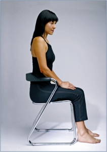 421px-Hamstring_stretch_for_office_workers