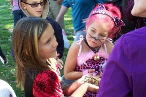 Kids learning about Tarantulas - photo by Gina Clugston