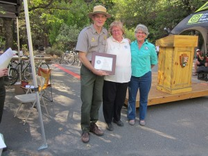 MaryJane Johnson (center) accepts the Enduring Service Award - photo NPS