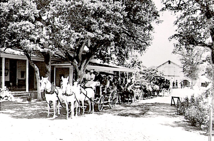 The Ahwahnee Tavern, ca. 1900-1903 Photo courtesy Zelda Garey Dubel [Public domain]