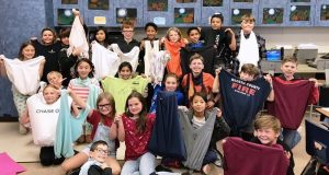 Picture of the fourth grade class at Oakhurst Elementary School