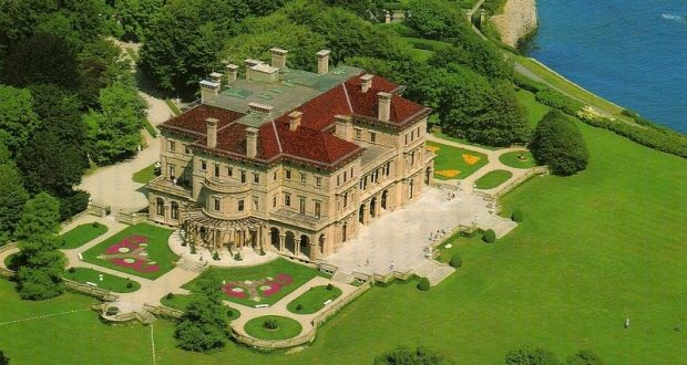 Image of a Rhode Island mansion known as The Breakers.