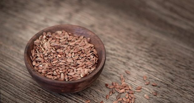 Image of flax seeds.