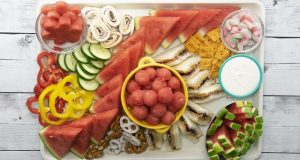 Image of a kids charcuterie snack board.