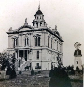 Image of the Merced Courthouse.