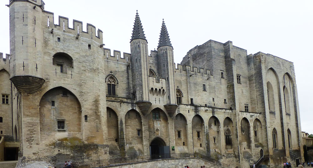 A rainy day in Avignon2