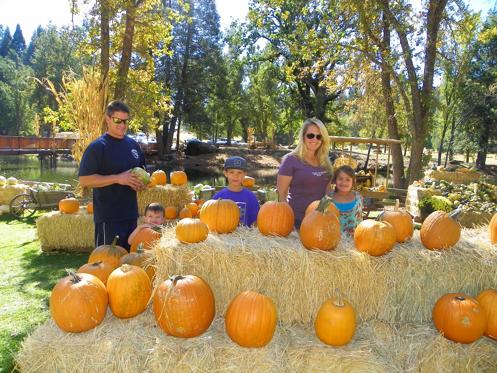 Jerseydale 2013 - Conti family including Cal Fire Frank Conti picks their pumpkins - photo by Kellie Flanagan