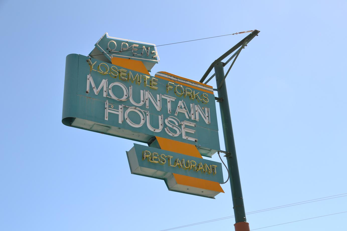 Mountain House sign - photo Gina Clugston