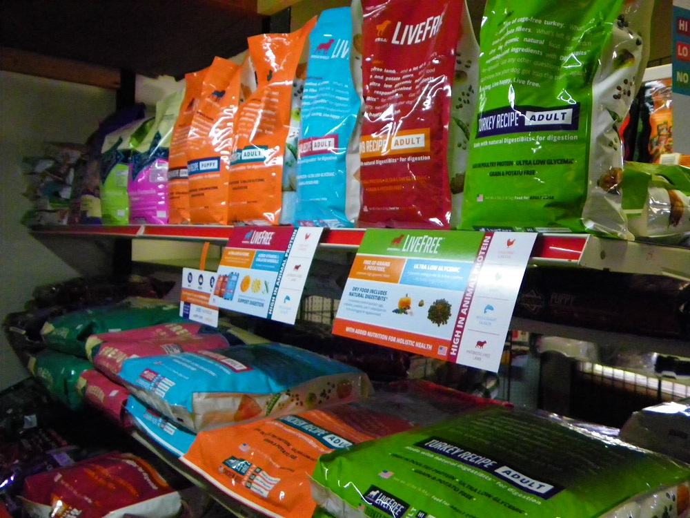 Steves Pets - Live Free dog food beats Fresno prices - photo by Kellie Flanagan
