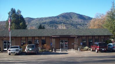 Oakhurst Branch Library