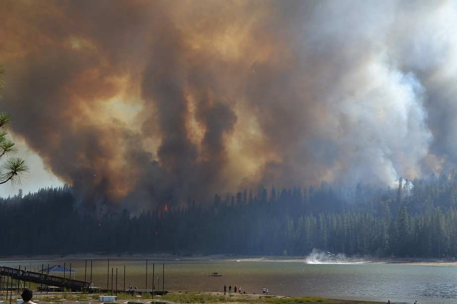 Residents watch as Courtney Fire approaches Bass Lake