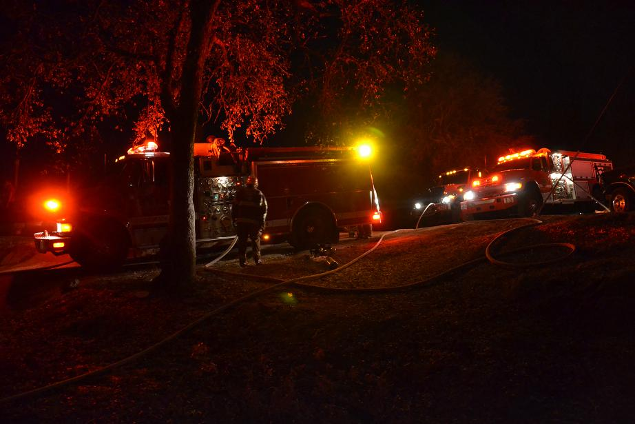 Engines at Hogans Mountain Fire - photo by Gina Clugston