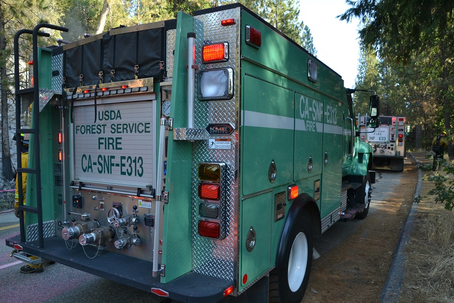 Forest Service engines on Pines Fire
