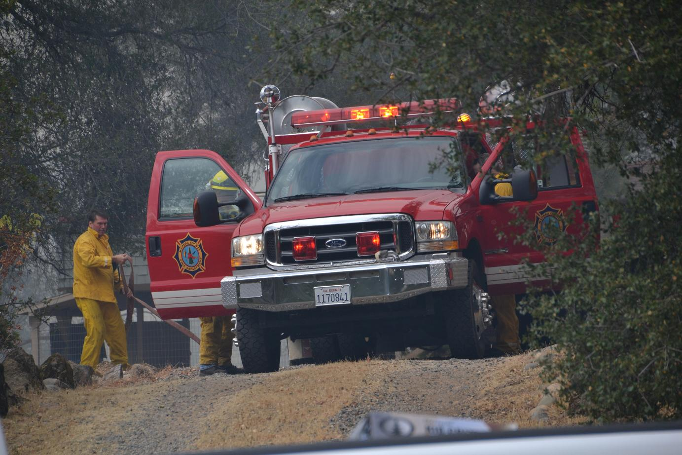 Firefighters get in position to protect homes