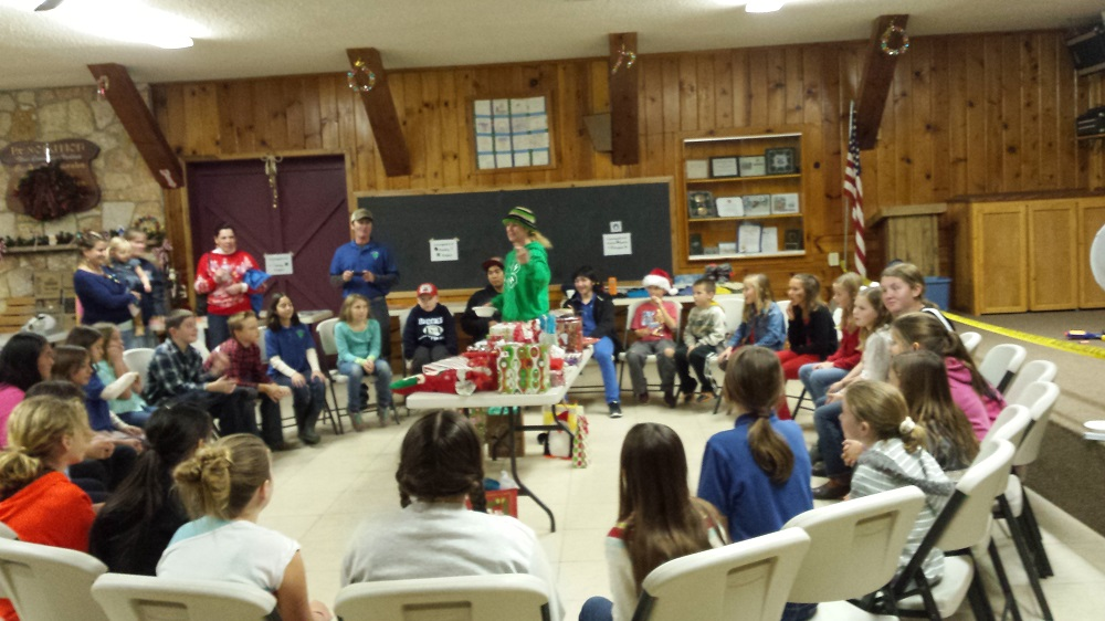 Coarsegold 4-H December Christmas Party 2014