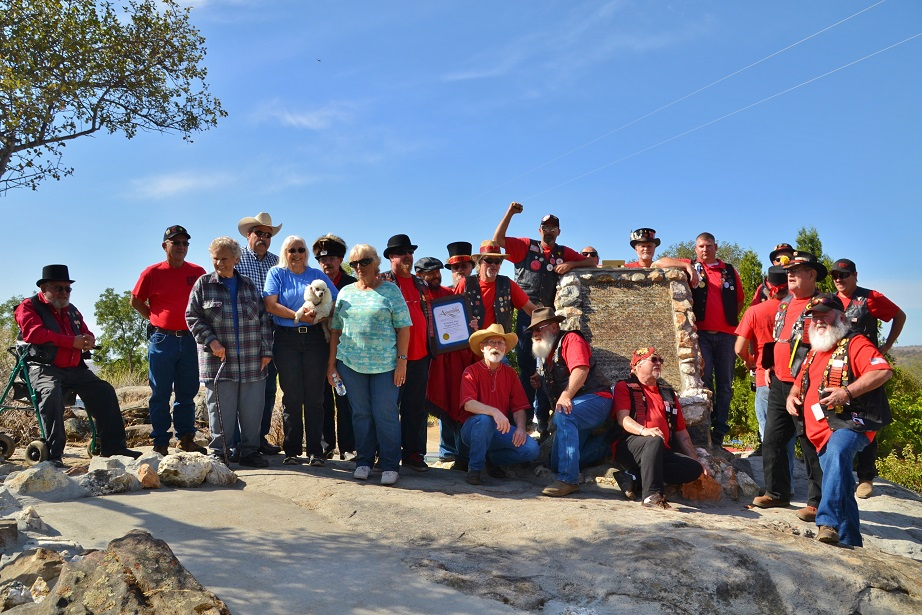 Clampers and Families at Hildreth Monument 9-27-14 - photo by Gina Clugston