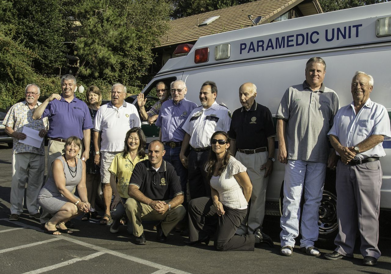 Rotary donates retired Sierra Ambulance to Nogales Mexico - July 2013 - Photo by Virginia Lazar