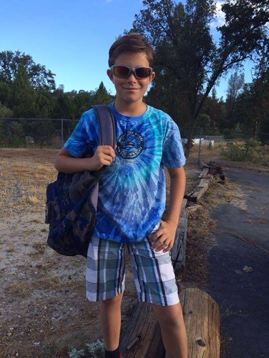Kriszti Meszaros Mendonca posted this picture of Ian Mendonca headed to OES - 5th Grade Cool