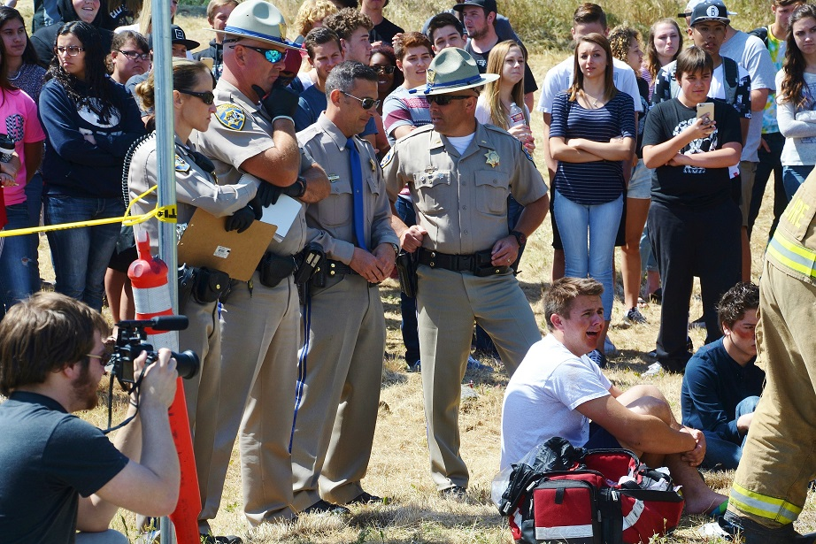 CHP officers before accident investigation - photo by Gina Clugston