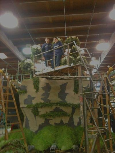 Hayden Righter and Michaela Brost decorating Rose Bowl Parade float 12-28-12
