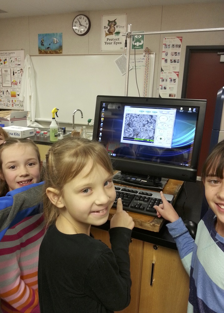 Emma Blea and Lauren Rich, Annalea Fulce - checking out microscope 2014 - image courtesy Brook Bullock Mountain Home School Charter