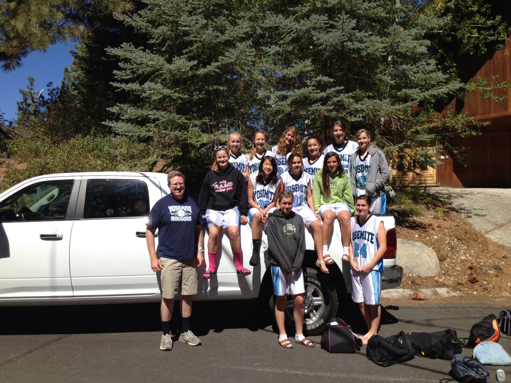 Yosemite Badgers Girls Basketball in Tahoe - photo by Stacey Montalto 2014