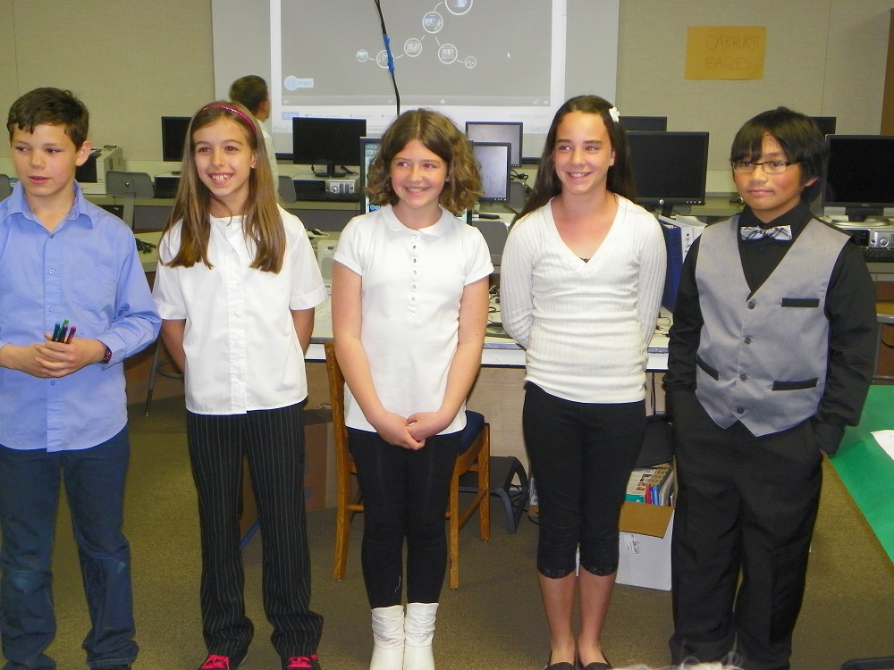 5th grade students are travel agency 4 in Mrs. Wards class at Oakhurst Elementary - photo by Kellie Flanagan