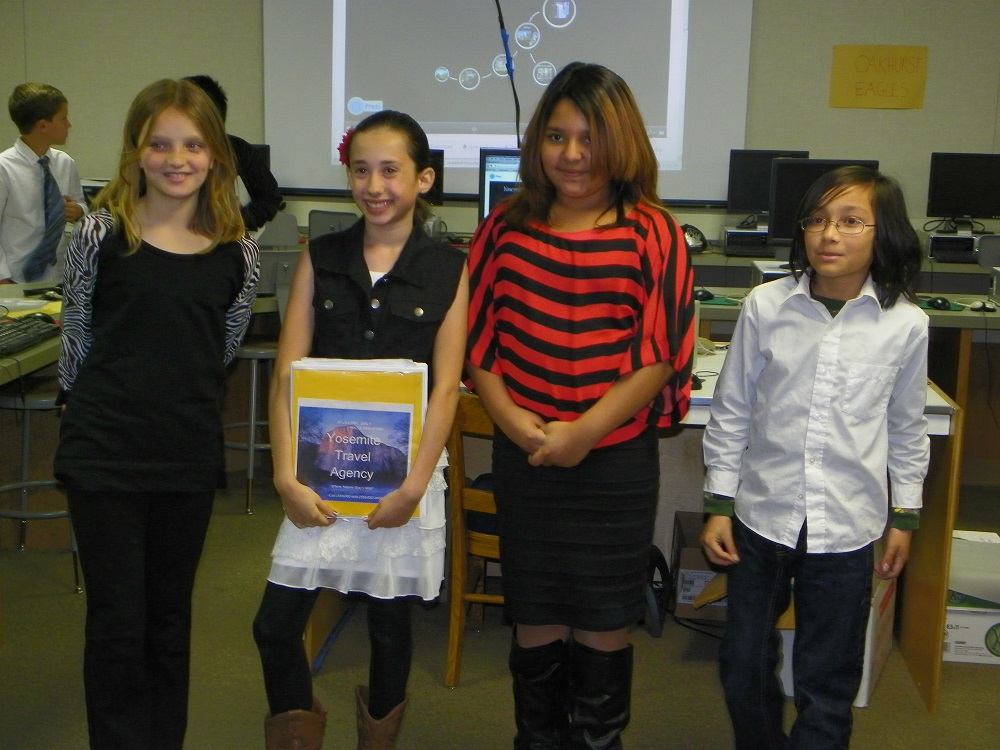 5th grade students are travel agency 5 in Mrs. Wards class at Oakhurst Elementary - photo by Kellie Flanagan