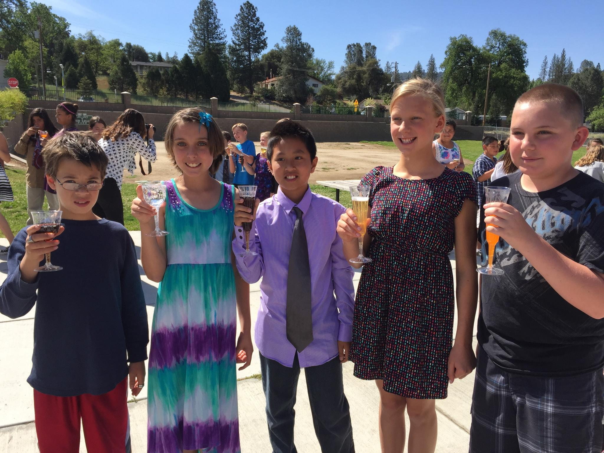 Oakhurst Elementary School 5th Graders celebrate the success of Yosemite Project 2015 - Photo courtesy of Mrs. Robin Ward, OES teacher