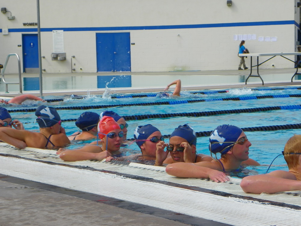 Girls team at the sides warming up - 2014 - photo by Kellie Flanagan