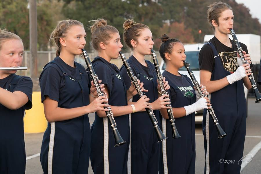 YHS Badger Band prepares at Central Valley Band Review Nov 2014 photo by Steve Montato