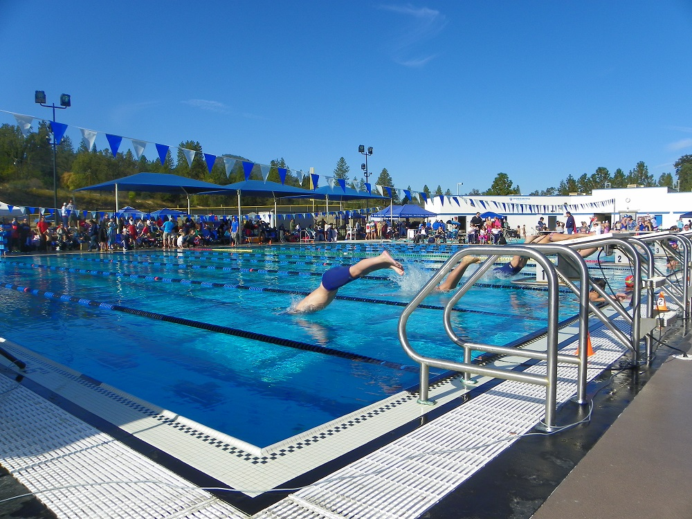 YSC swim meet Oct. 12 2013 - and they are off - photo by Kellie Flanagan