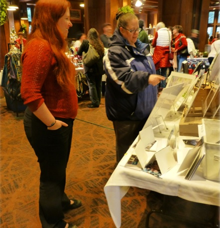 Yosemite Holiday Craft Bazaar 2014 visitors shopping - photo by Candace Gregory