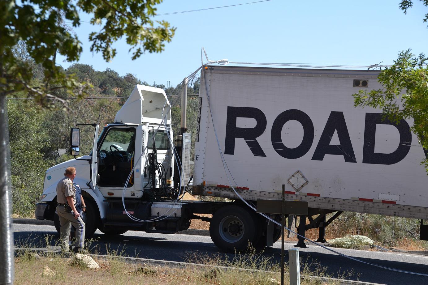 Truck Tears Down Power Lines In YLP   Sierra News Online