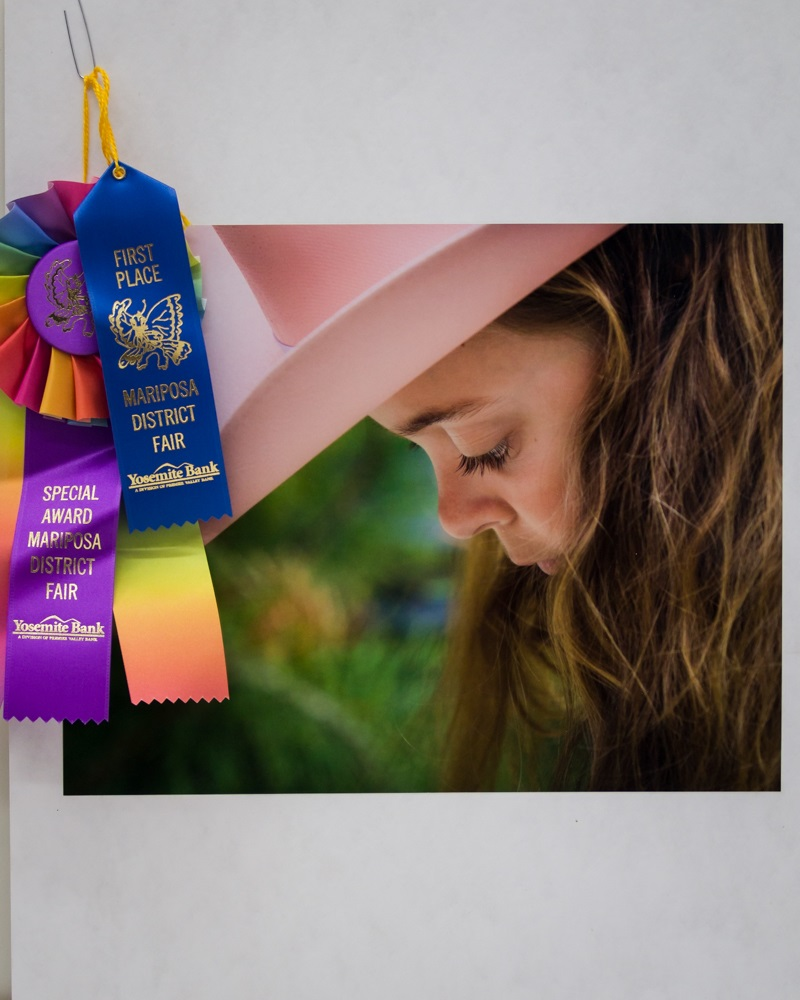 Girls with the Pink Cowgirl Hat - photo by Virginia Lazar - 1st Place and more at Mariposa Fair