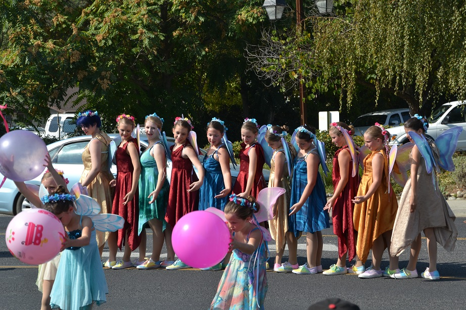 Community Dance and Theatre - photo by Gina Clugston