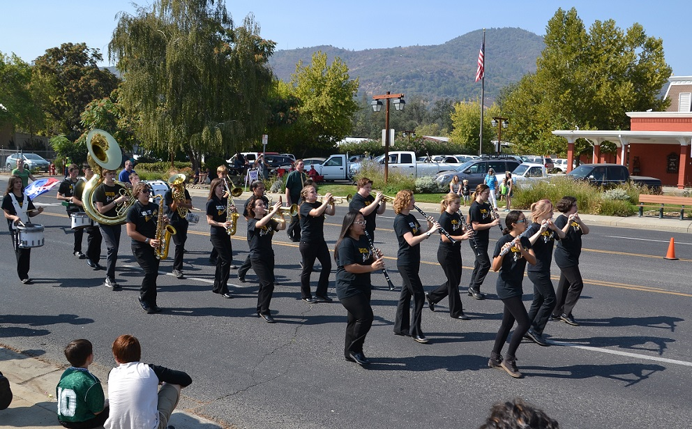 Mariposa Co. High School Grizzly Band 2