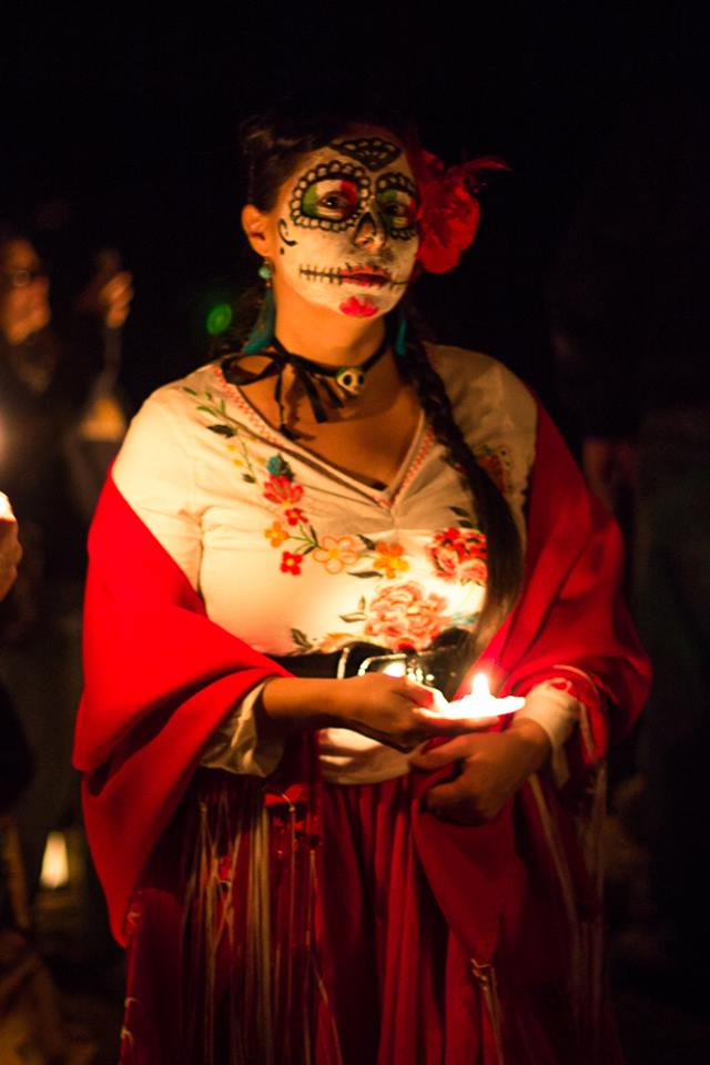 Hornitos 2013 woman in crowd in procession for Day of the Dead in Hornitos - photo by Virginia Lazar