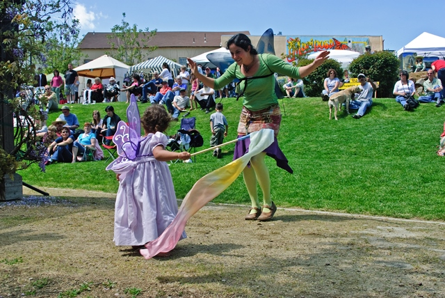 Mariposa Butterfly Festival - Festival dancing mom and daughter - Photo courtesy of Charles Phillips Stone Creek Gallery Mariposa