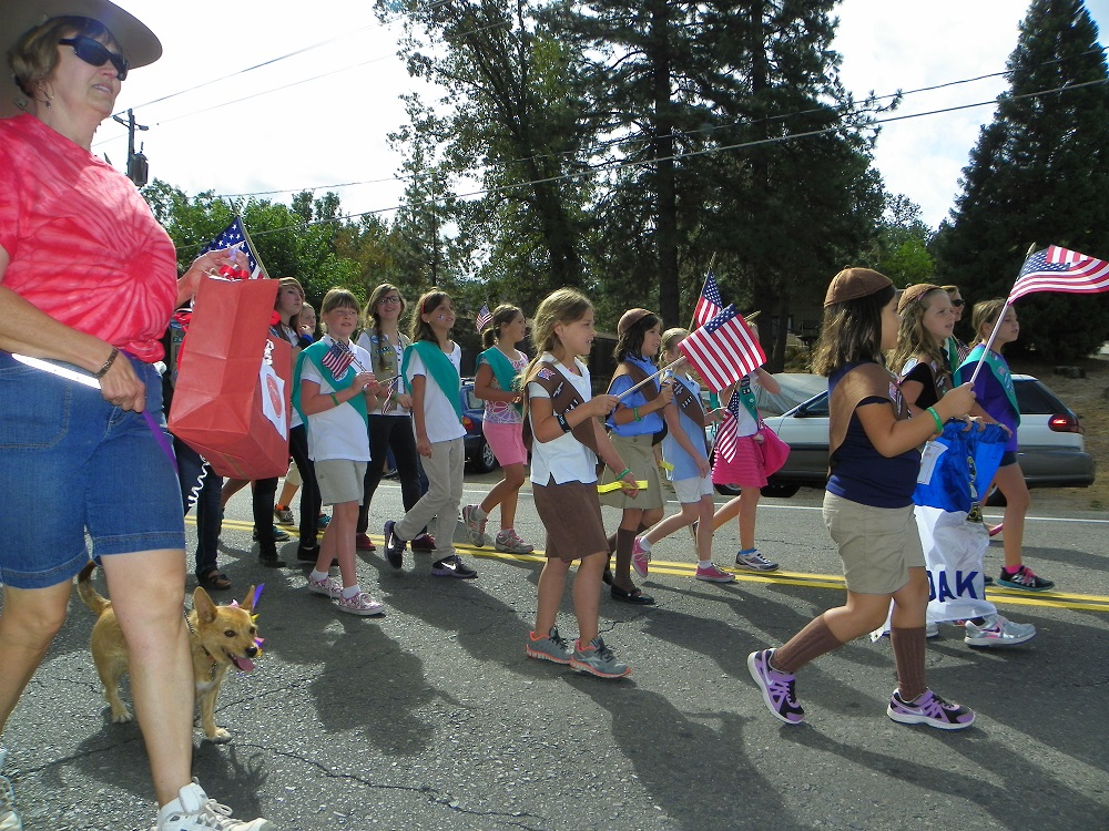 Mountain Heritage Days Parade 2013 - Girl Scouts 1 - Photo by Kellie Flanagan